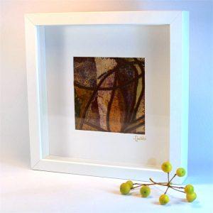"""Carterie d'Art - Cadre artistique collection """"Dans les toiles"""" n°1 - Format 25 x 25 en vente sur la boutique de Carrés Nomades"""