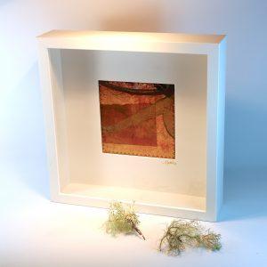 """Carterie d'Art - Cadre artistique collection """"Dans les toiles"""" n°3 - Format 25 x 25 en vente sur la boutique de Carrés Nomades"""