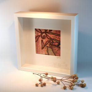 """Carterie d'Art - Cadre artistique collection """"Dans les toiles"""" n°4 - Format 25 x 25 en vente sur la boutique de Carrés Nomades"""
